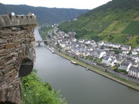 Reichsburg Cochem: Blick auf die Mosel